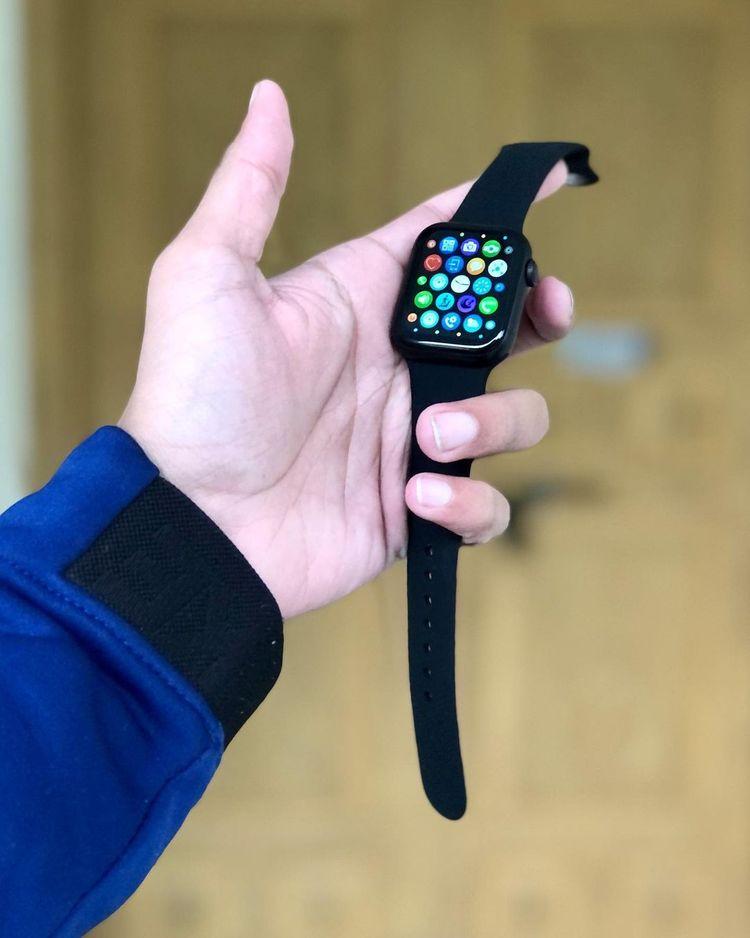ساعت هوشمند مدل HW12